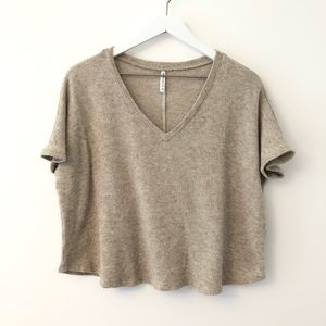 Lulus V Neck Crop Knit Top Small